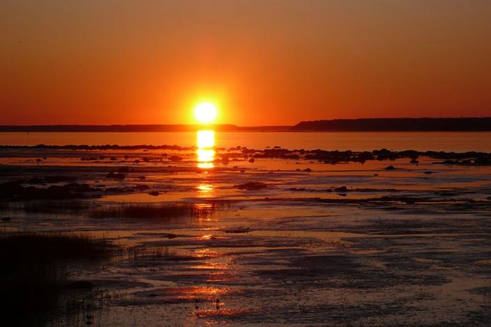 Saint-Antoine-de-tilly-coucher-de-soleil-sur-le-fleuve